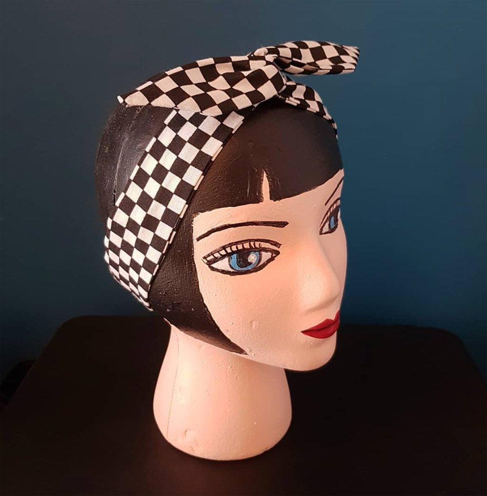 bandeau cheveux à carreaux, tissu et fil de fer, accessoire coiffure femme rockabilly ska
