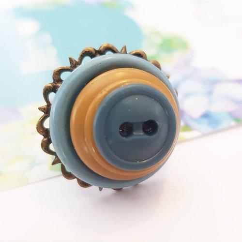 Bague upcyling bouton ancien, cadeau zéro déchet, ajustable au doigt - bleu bronze