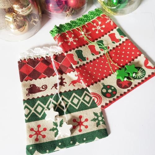 2 petites pochettes noel, pochon motif noël, mini sac réutilisable, sachet zéro déchet, poche en tissu