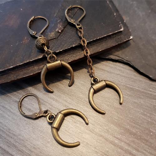 Boucle d'oreille homme demi lune, bijou corne inversée bronze, longueur pendentif au choix
