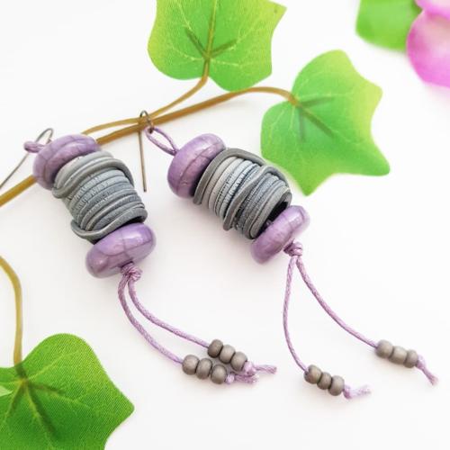Boucles d'oreilles bobine de fil, bijou céramique raku, bijoux violet gris, cadeau couturière
