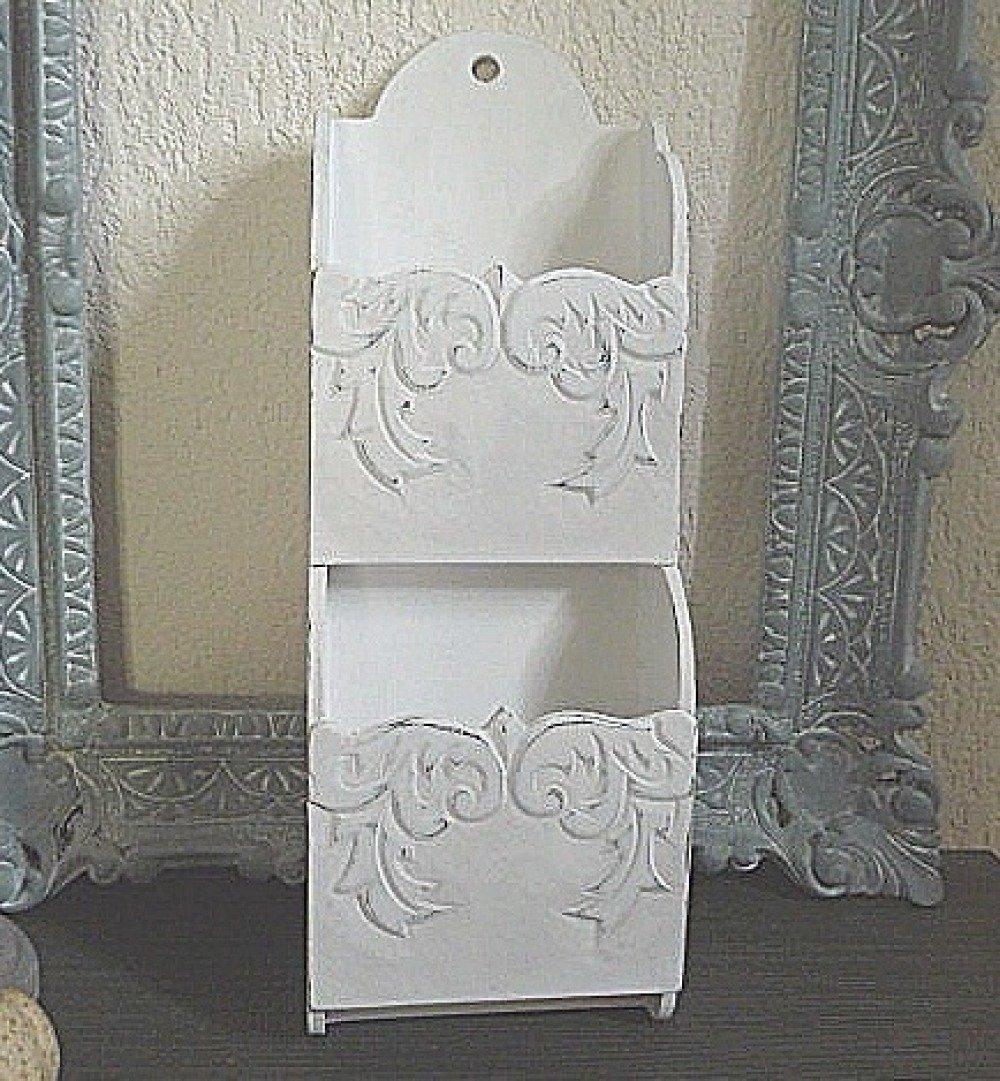 Porte courrier en bois stylisé