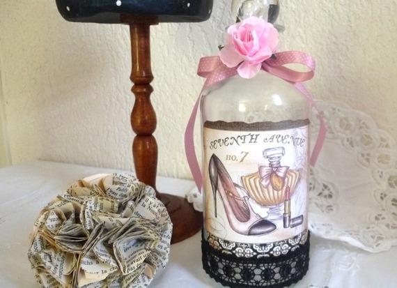 Flacon de parfum romantique et shabby vintage
