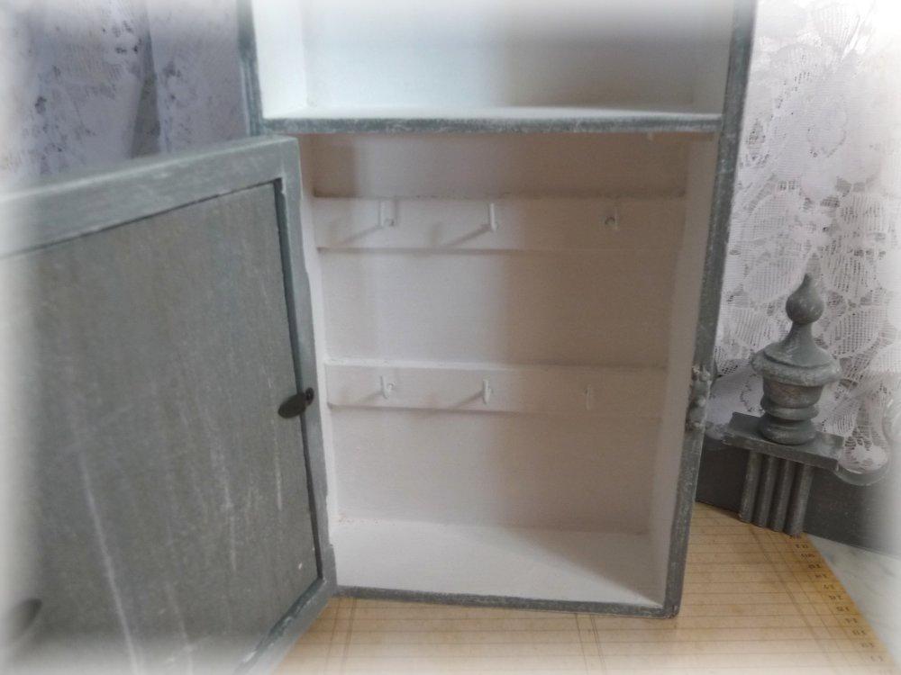 Petit meuble shabby vintage boite à clefs