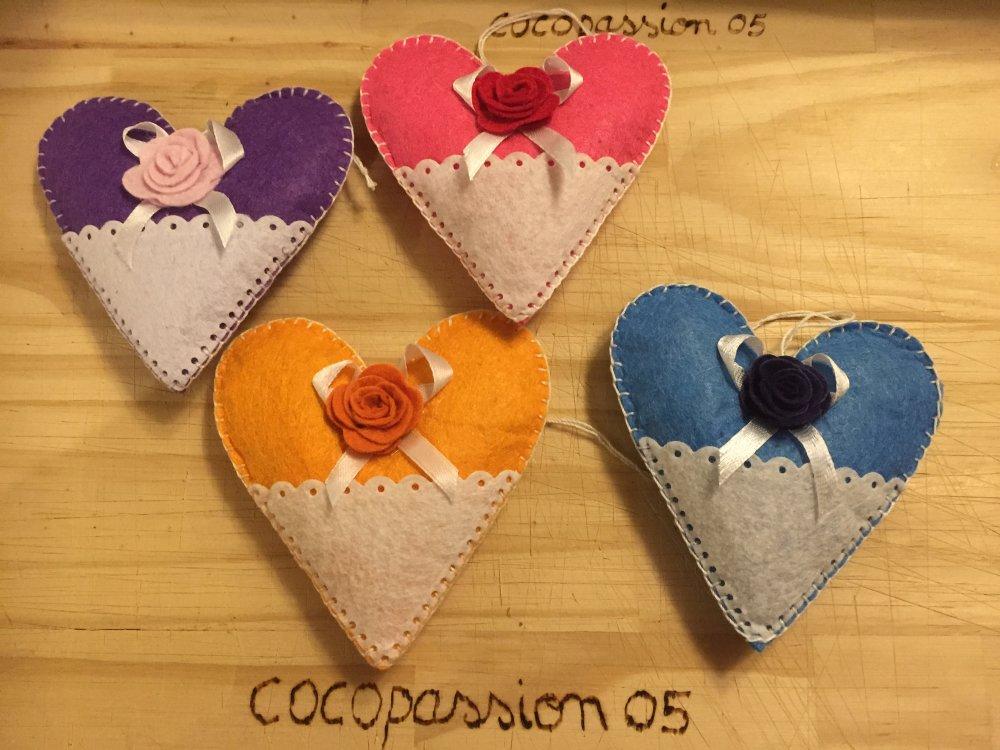 sachet de lavande ,coeur en feutrine ,décoration unique fait main