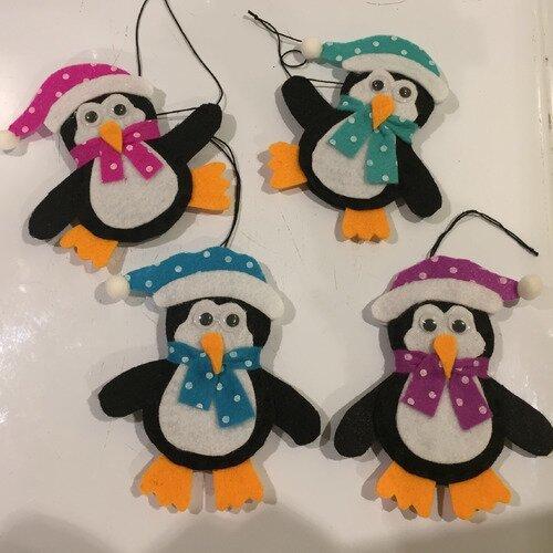 lot de 4 pingouins en feutrine ,décoration de noel,boule de noel