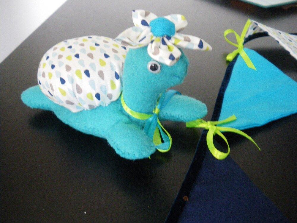 guirlande fanion et tortue décoration chambre d'enfant