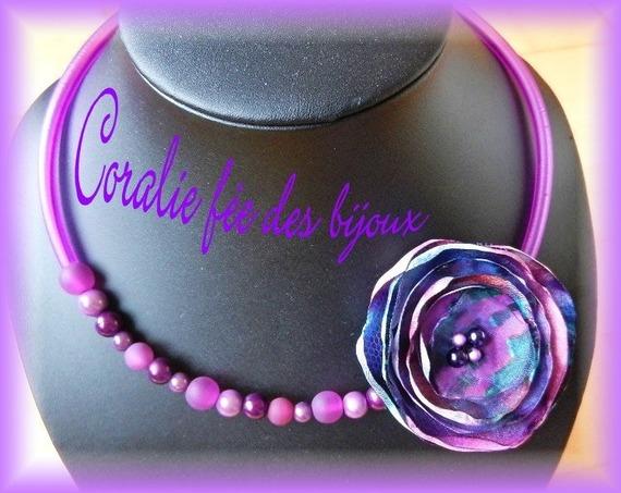 collier tour de cou tube pvc,perles magiques et polaris,avec fleur faite main