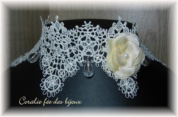collier ras du cou dentelle fleur ivoire mariage