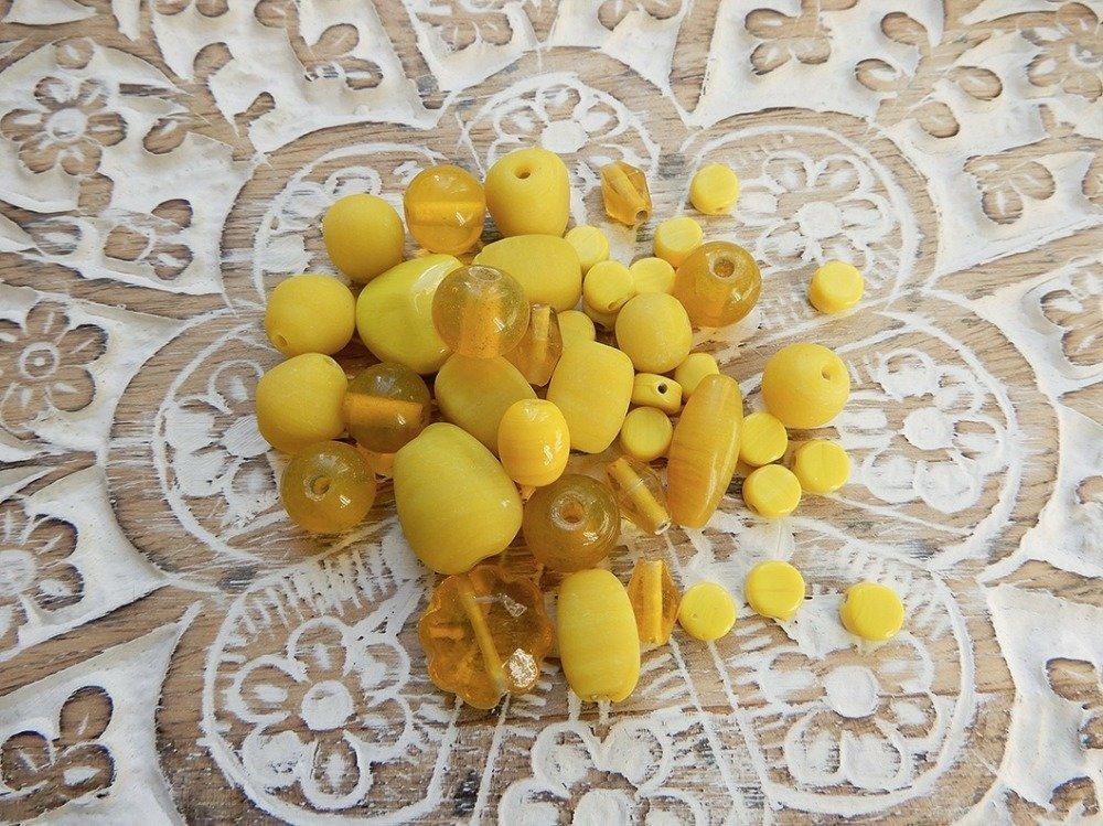 Assortiment perles indiennes jaune pâte de verre