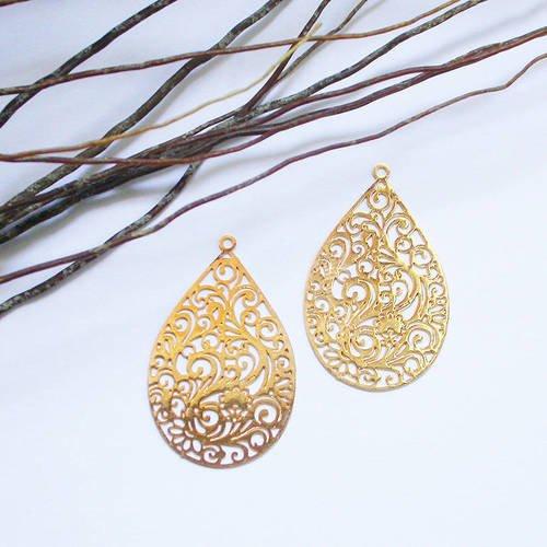 2 pendentifs estampe filigrane métal doré 30 mm
