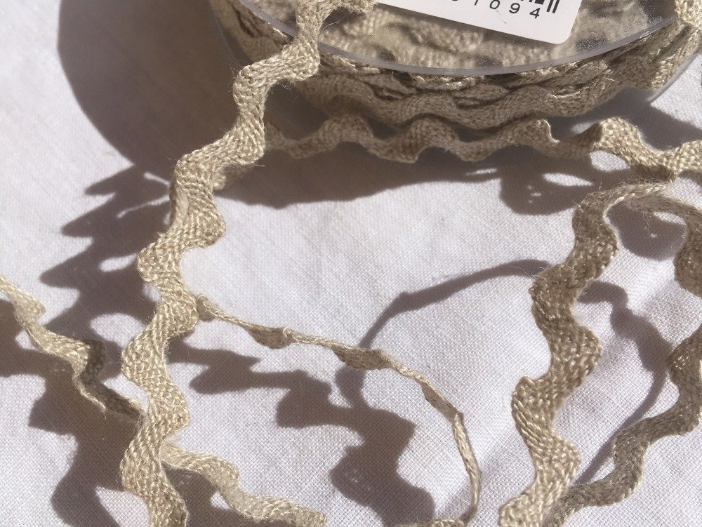 Ruban croquet serpentine, lin, couleur Beige, Largeur 10 mm