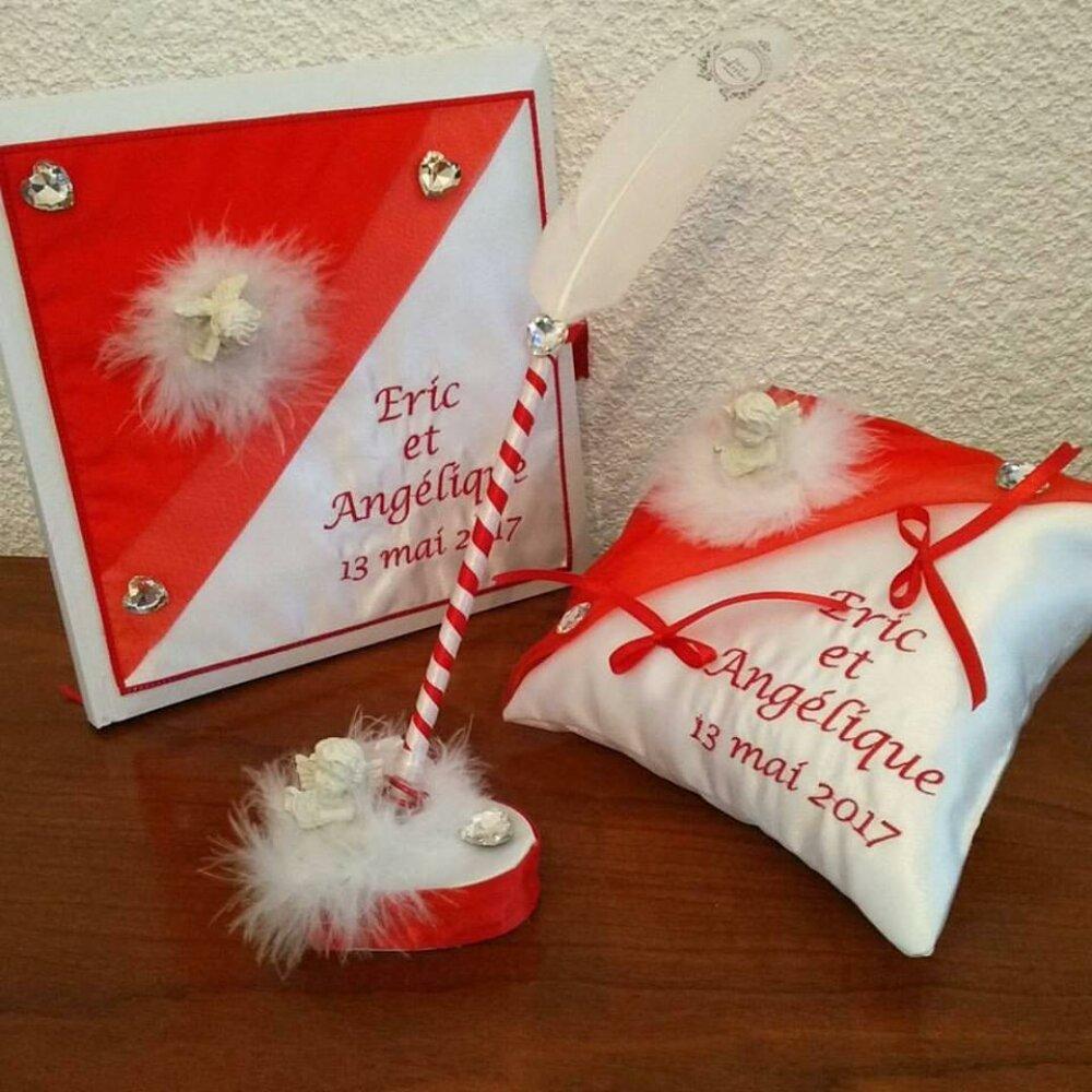 mariage coussin alliances livre d'or stylo  thème ange en rouge et blanc