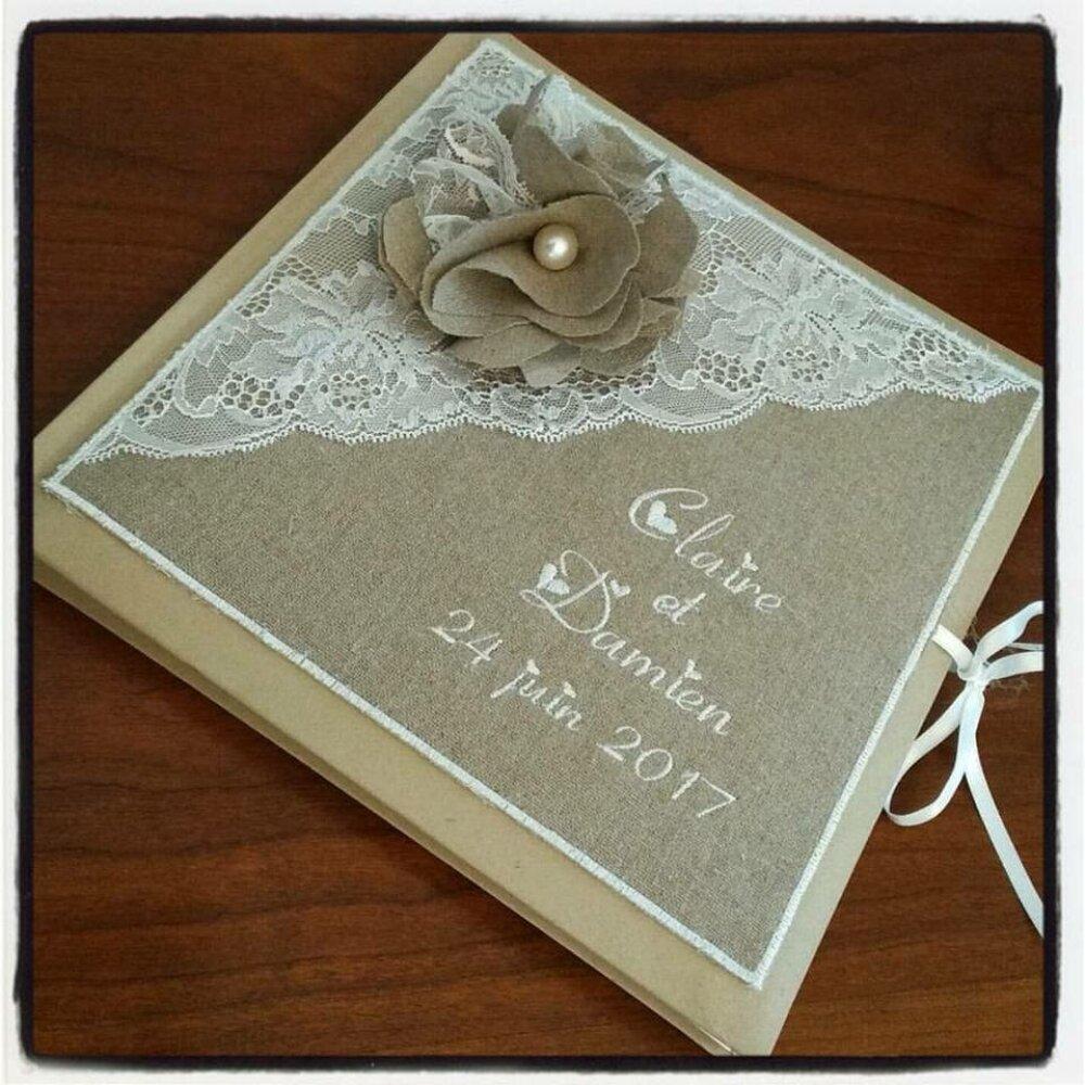 Livre d'or mariage  personnalisé et brodé aux prénoms avec lin