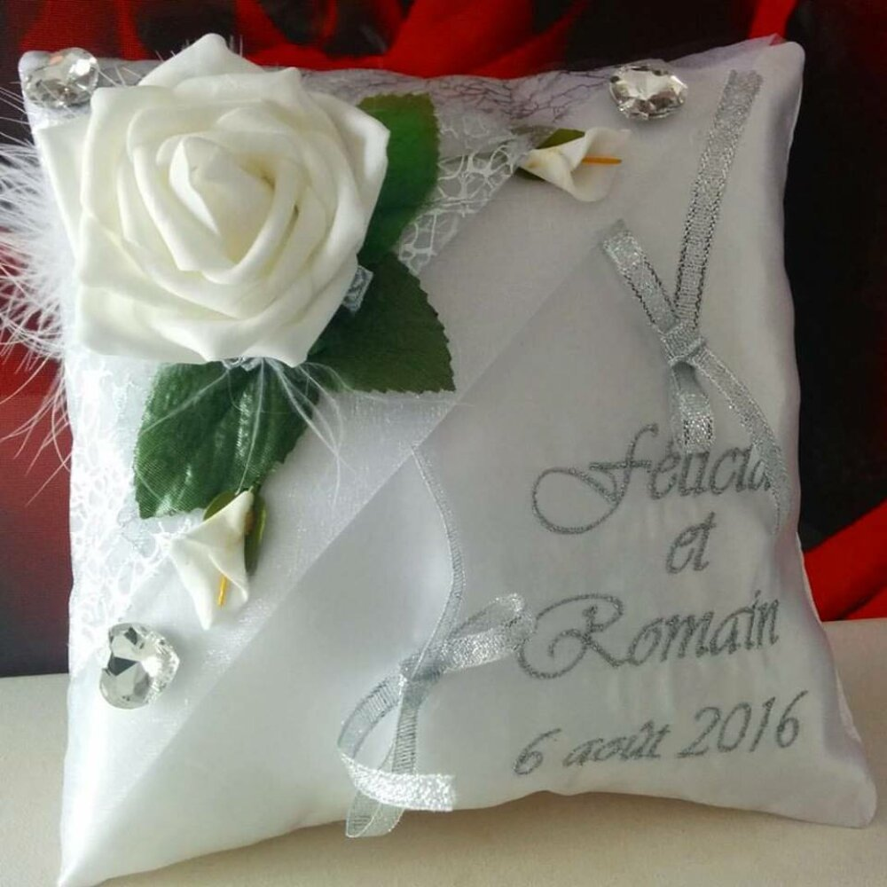 coussin mariage porte alliances rose blanche strass