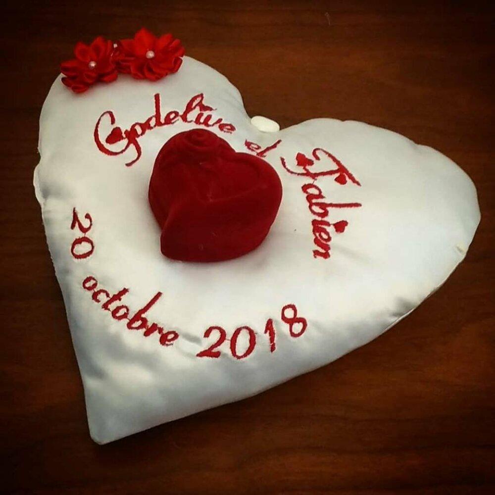 coussin porte-alliances: l'écrin de velours en coeur - mariage dans les tons rose (ou autre)