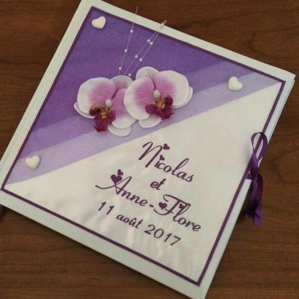 Livre d'or mariage  personnalisé orchidées et brodé aux prénoms toute occasion