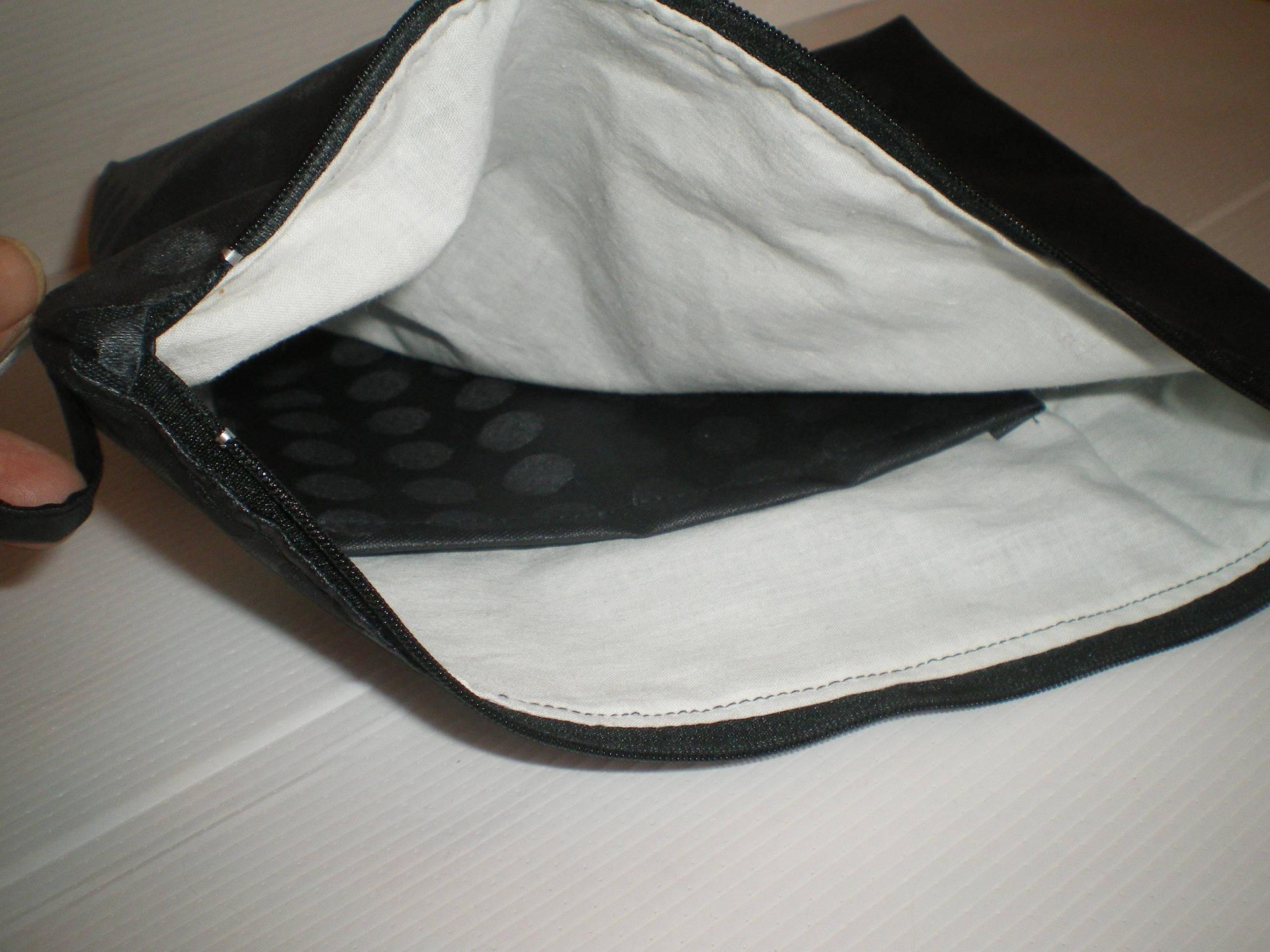 trousse de toilette en coton enduit noir doublée coton blanc