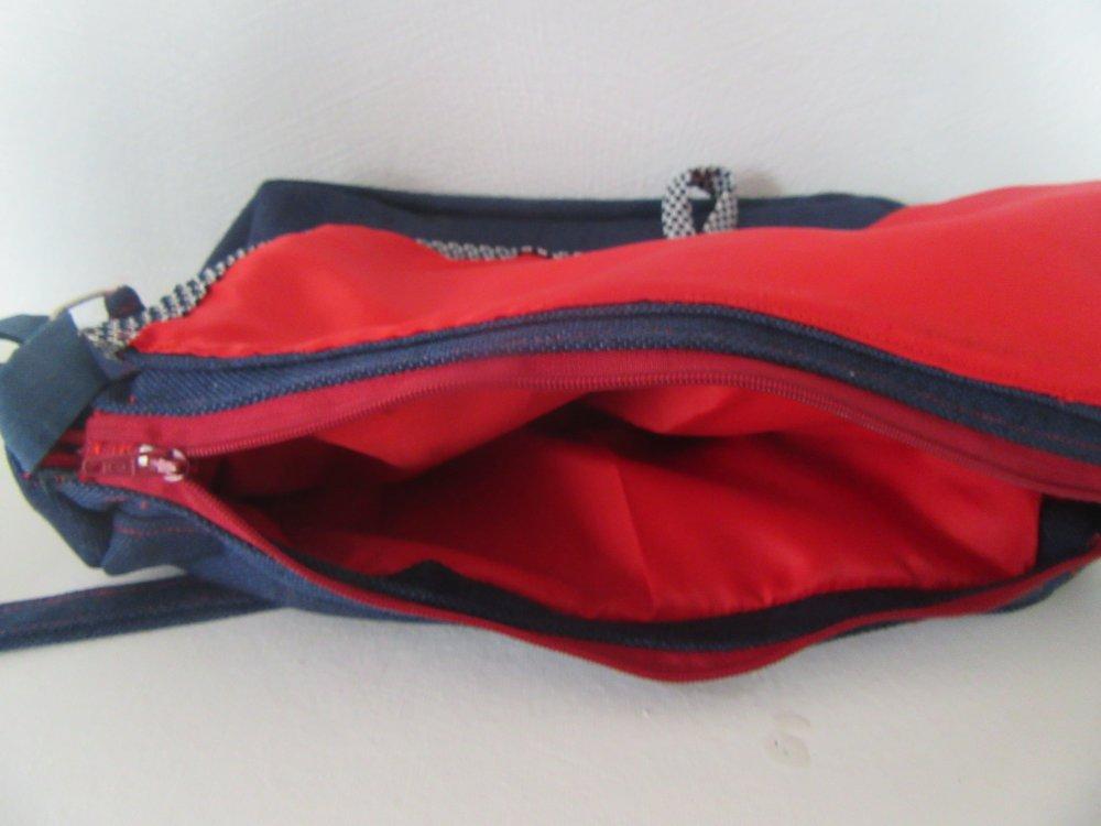 sac de ville marine et rouge