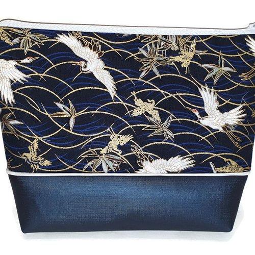 Grande trousse ou pochette beauté tissus japonnais bleu, oiseaux blanc, idée cadeau, trousse école, de toilette