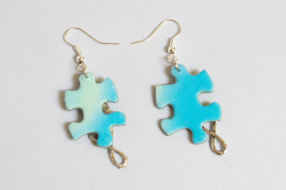 Boucles puzzle bleu