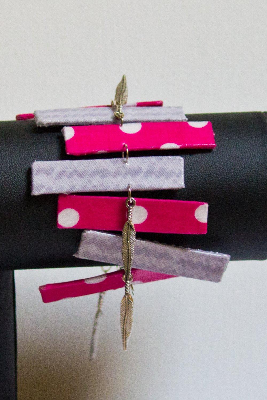Bracelet en rectangles de tissu rose et gris