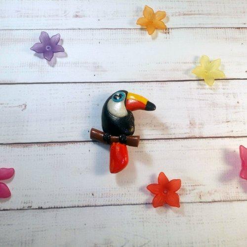Petite broche toucan en fimo version 2