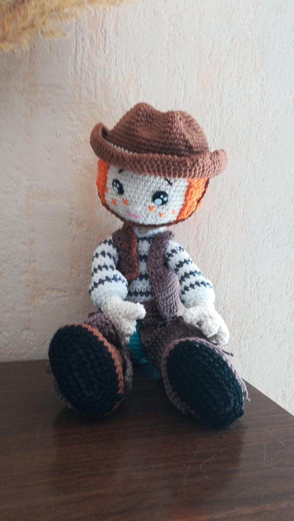 Cow-boy poupée crocheté en coton