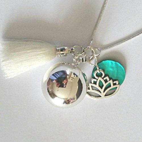 bola de grossesse plaqué argent 925, sequin en nacre naturelle vert turquoise, fleur de lotus, pompon blanc