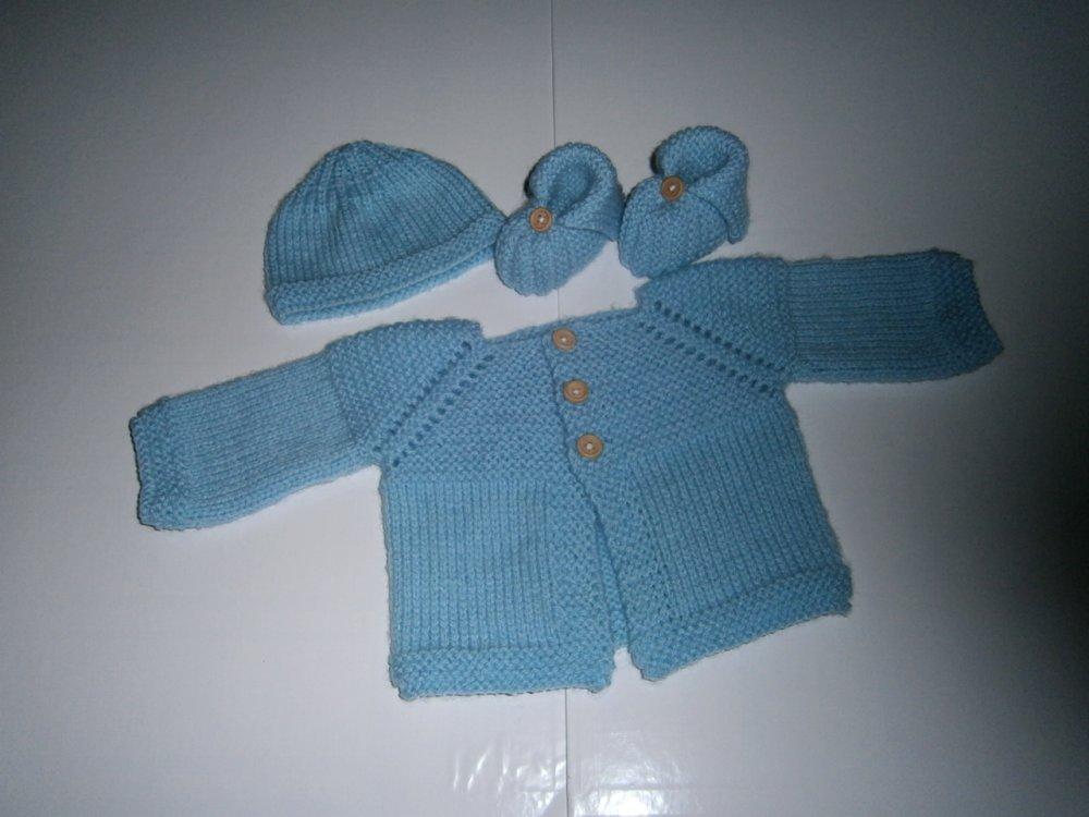 brassière bébé tricot laine layette cadeau de naissance  0/1 mois bonnet et chaussons