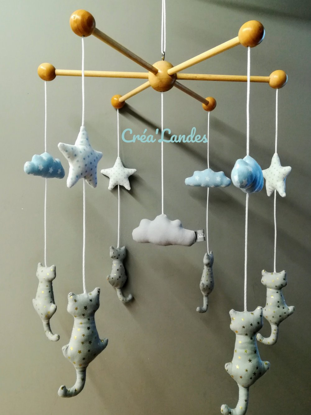 Mobile Bébé À Suspendre Au Plafond mobile en bois chat lit de bébé