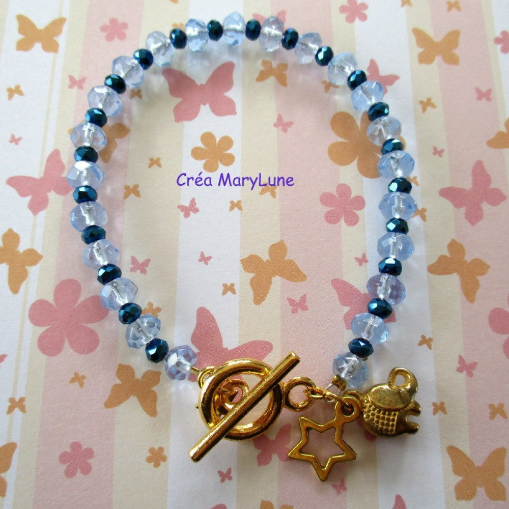 Bracelet de perles en verre de couleur bleu pâle avec petites perles en verre de couleur bleue - 1950336