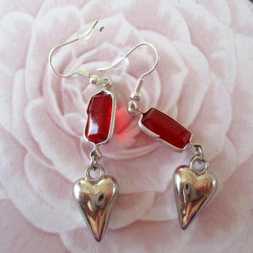 Boucles d'oreilles, coeur rouge - crochets en acier chirurgical - 3032748