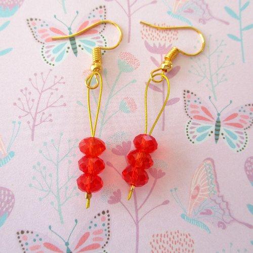 Boucles d'oreilles trio de perles rouges - crochet en acier chirurgical