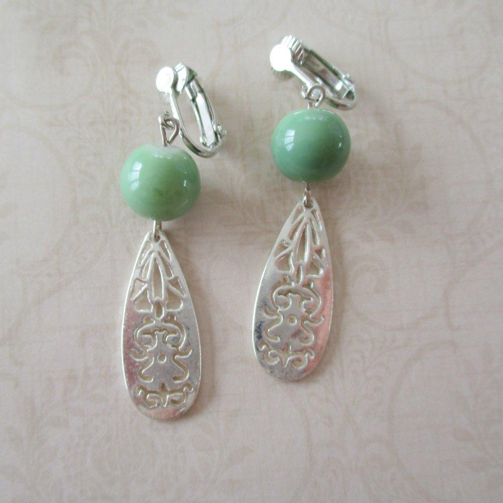 Clips boucles d'oreilles gouttes ajourées verte