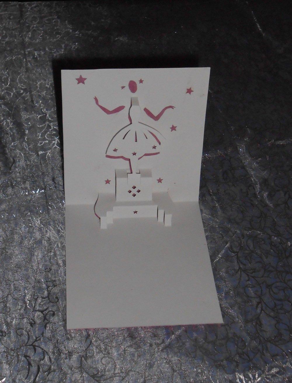 "carte kirigami: ""danseuse boite à musique"""