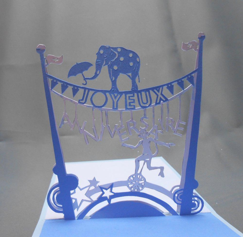 "carte kirigami fête: ""bienvenue au cirque"""