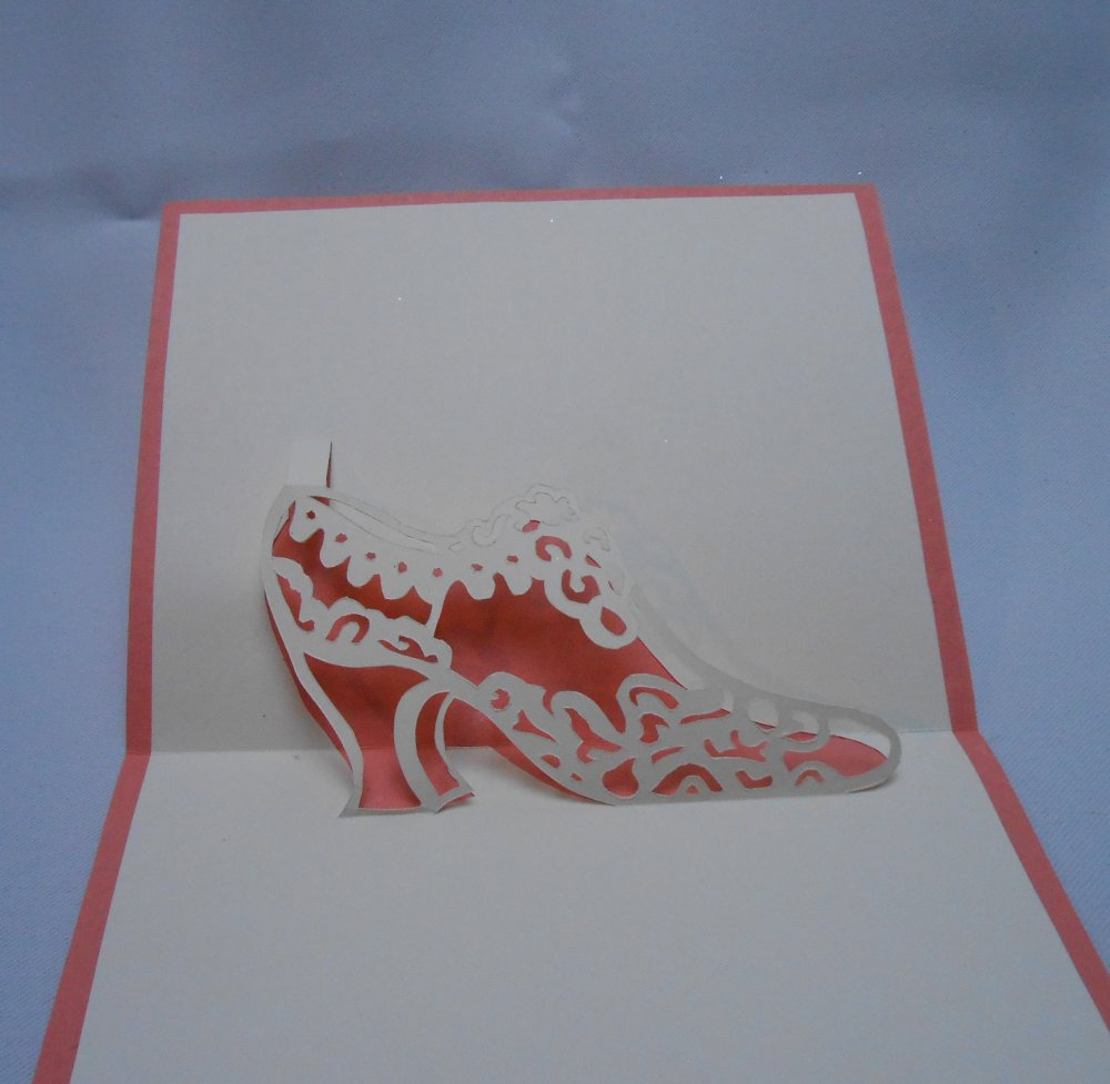 "carte kirigami divers: ""ma plus belle chaussure"""
