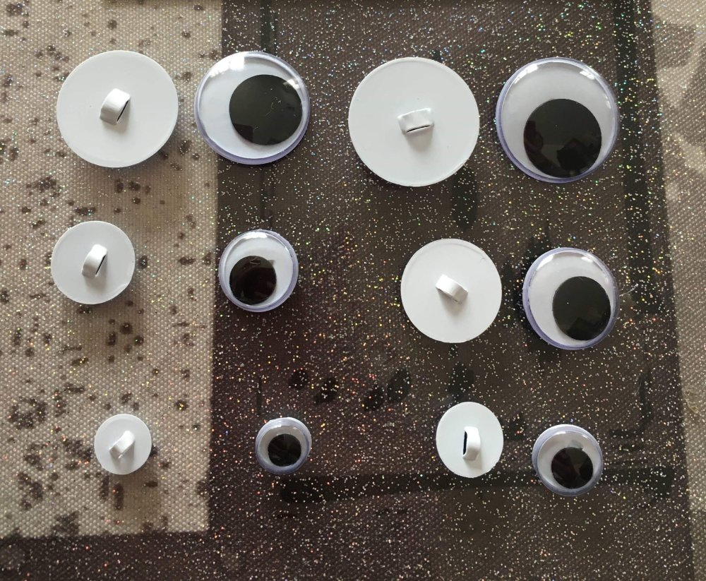 12 boutons oeil a coudre diam 8 a 20