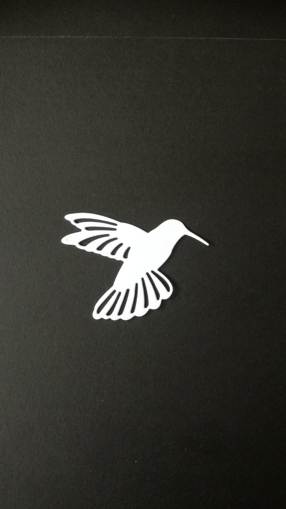 """n°81 découpe d'un joli oiseau """"colibris"""" en papier blanc"""