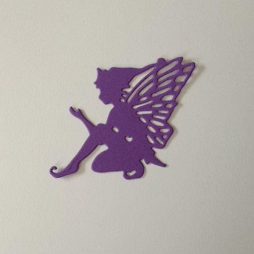"""N°377 découpe d'une fée """"6"""" en papier violet"""