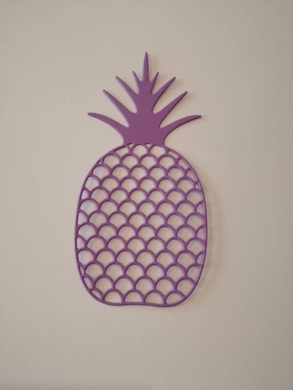 n°172 découpe d'un grand ananas en papier violet