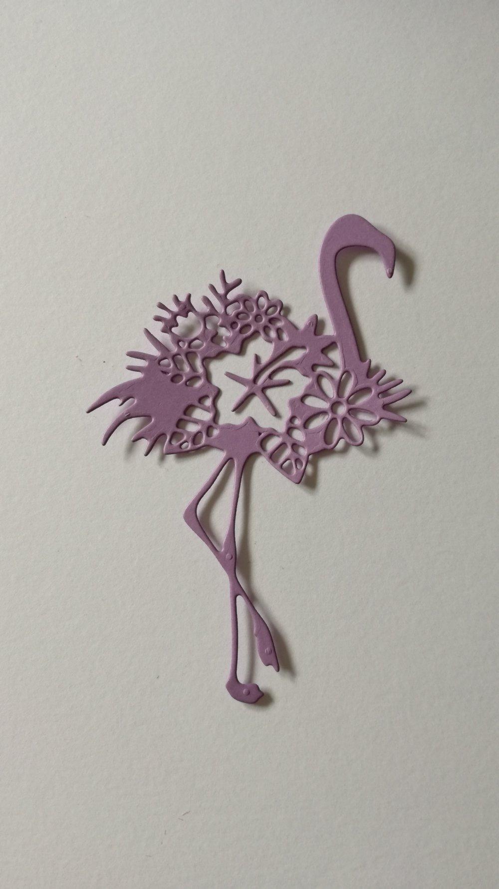 """n°397 Découpes d'une flamant rose """" fleurie """" en papier parme"""