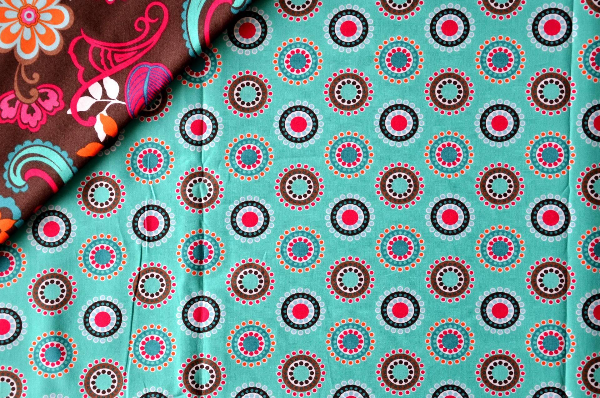 """Tissus en coton motif """"GEOMETRIQUE ARABESQUE"""" - VERA BRADLEY chocolat-turquoise-rose"""