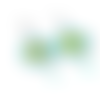 Boucles d'oreilles estampes, cuir vert et camel sur supports en acier inoxydable