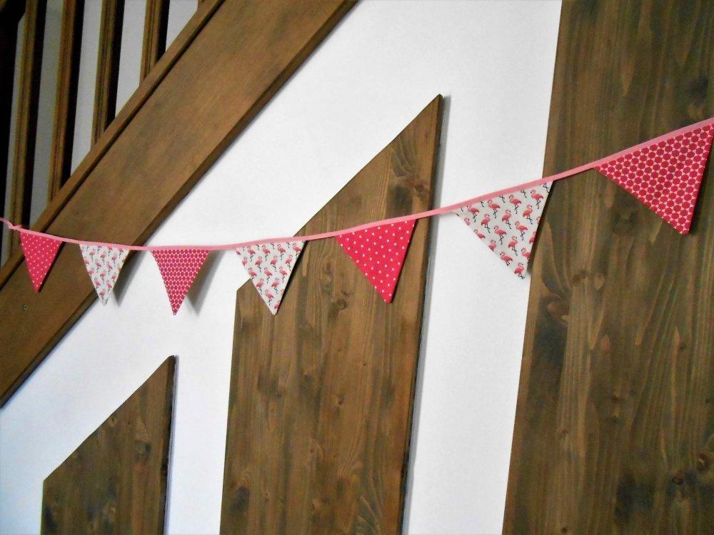 Guirlande 7 fanions, 2 mètres, flamants rose, pois et forme géométrique