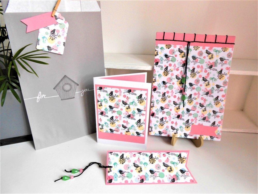 Set : carnet + carte + marque-page + pochette cadeau. Oiseaux et nichoirs.