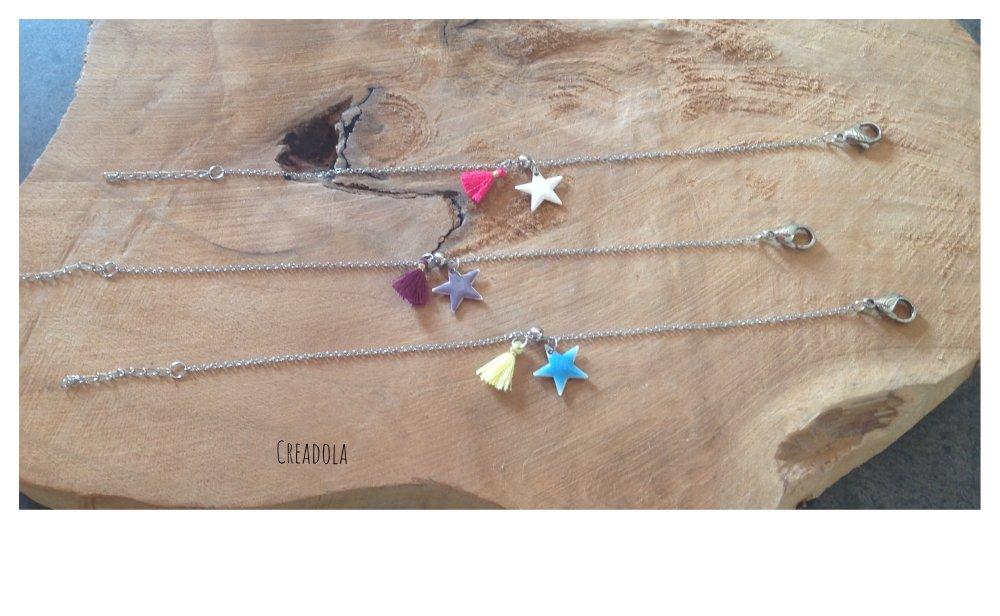 Bracelet en chaîne ultra fine. Pompon, étoile. Jaune/turquoise