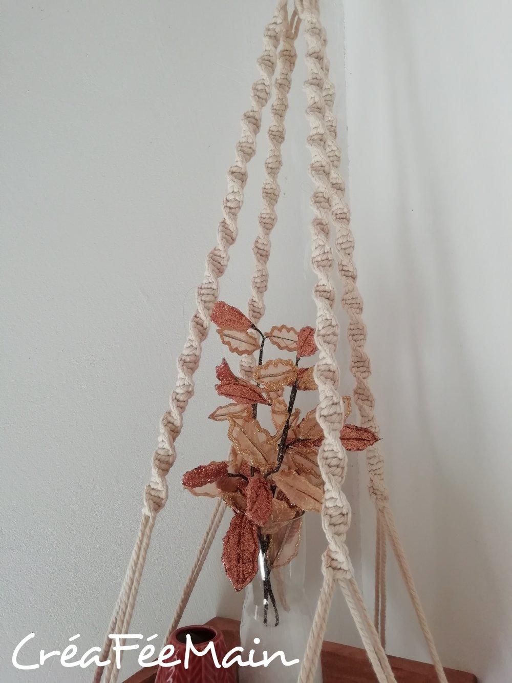 Suspension macramé avec plateau bois
