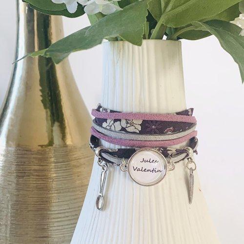 Bracelet liberty à fleurs violet, suédine mauve et grise pailletée, cabochon prénoms personnalisable